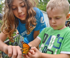Sid and Lucy with butterfly