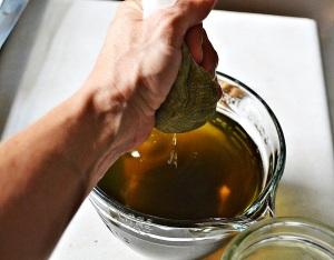 Straining herbal tincture